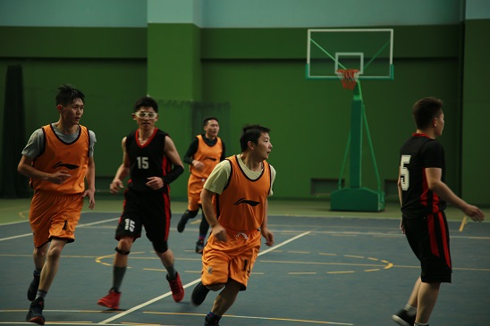 """皓泰公路""""青年杯"""" 篮球赛一胜两负4.jpg"""