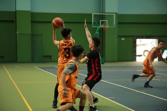"""皓泰公路""""青年杯"""" 篮球赛一胜两负2.jpg"""
